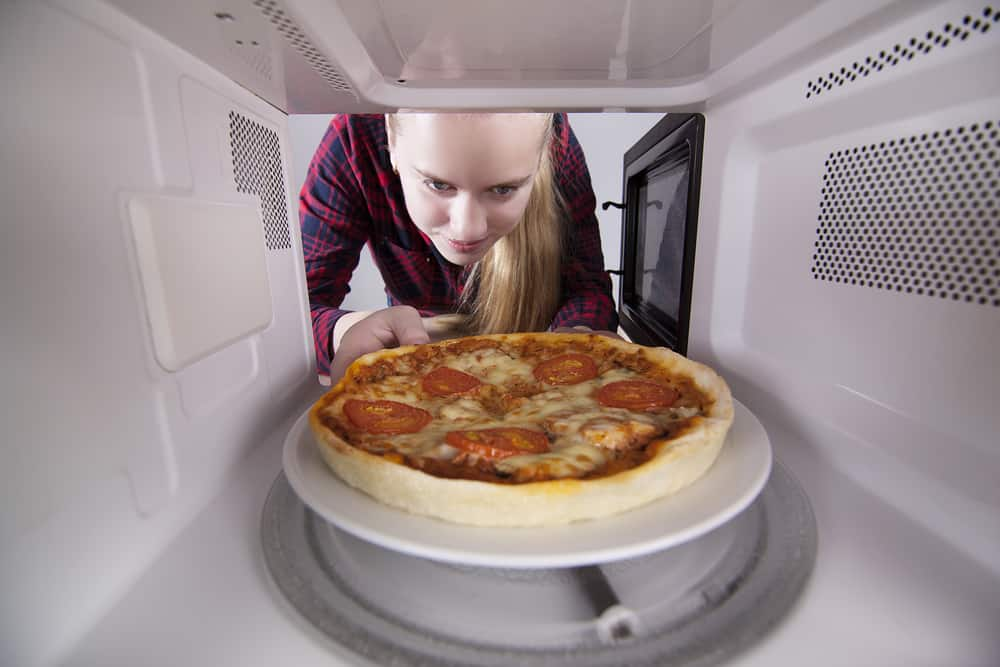 Tips on reheating pizza