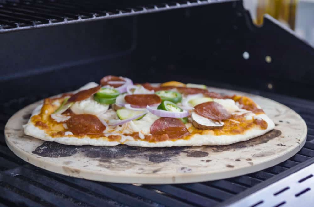 2 Ways to Clean A Pizza Stone