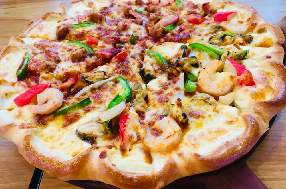 8 Main Types of Pizza Crusts Which is Your Favorite