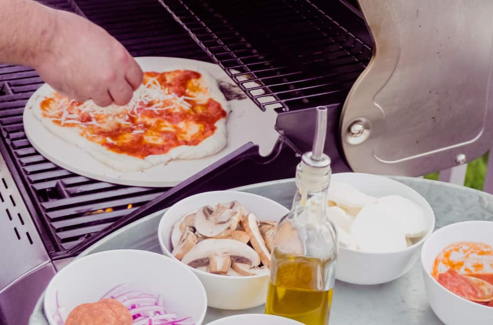 What Do You Need to Grill Pizza With a Pizza Stone