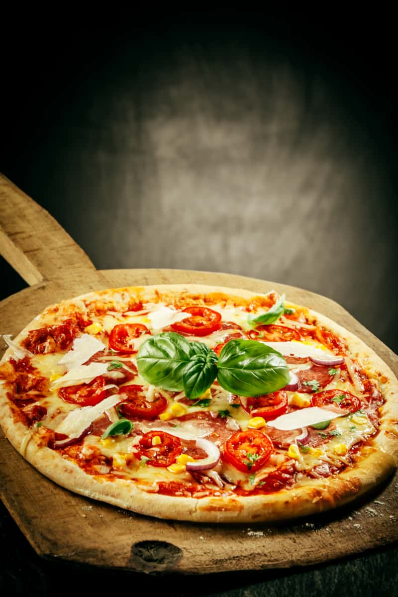 What are pizza stones made from