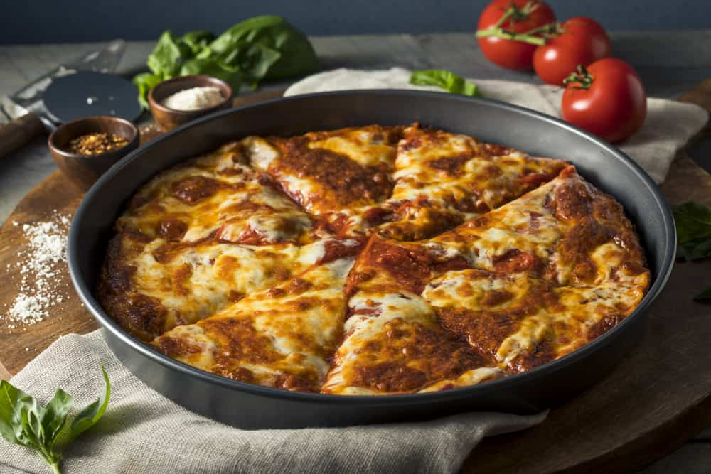 Which is the Best Pizza Pan With or Without Holes