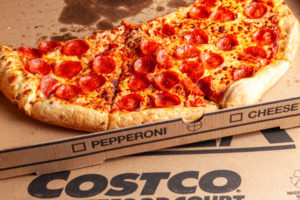 Costco Pizza Calories & Nutrition Facts (Chart)