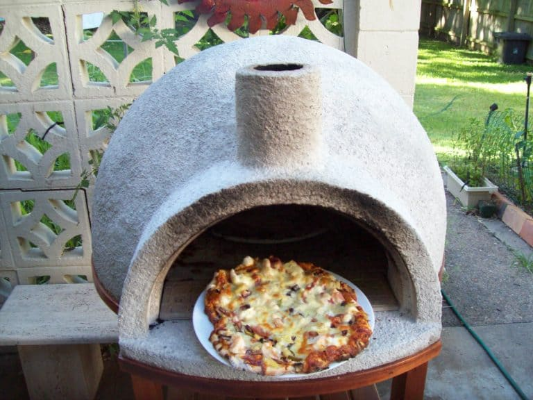 DIY Video How to Build a Backyard Wood Fire Pizza Oven Under $100