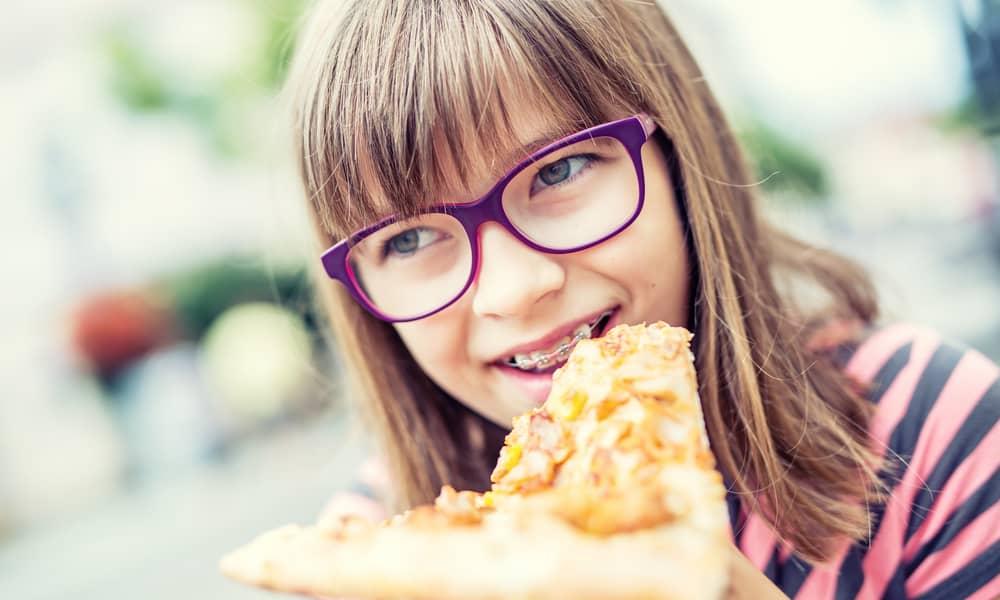 Do pizzas cause a problem for braces