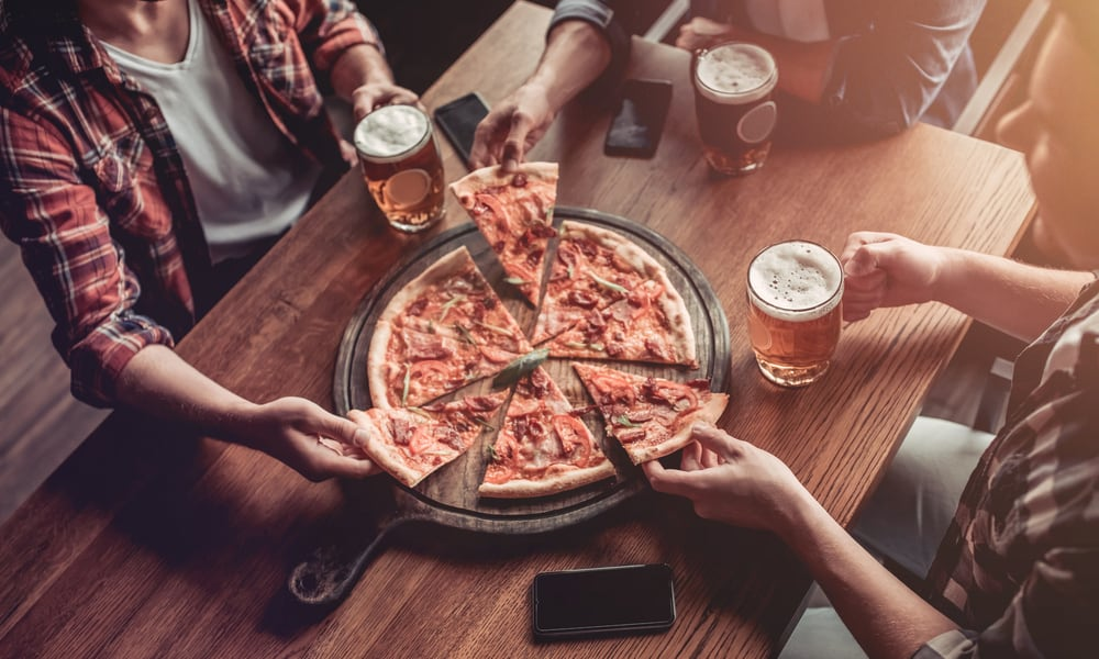 Find a Bar Offering Free Pizza
