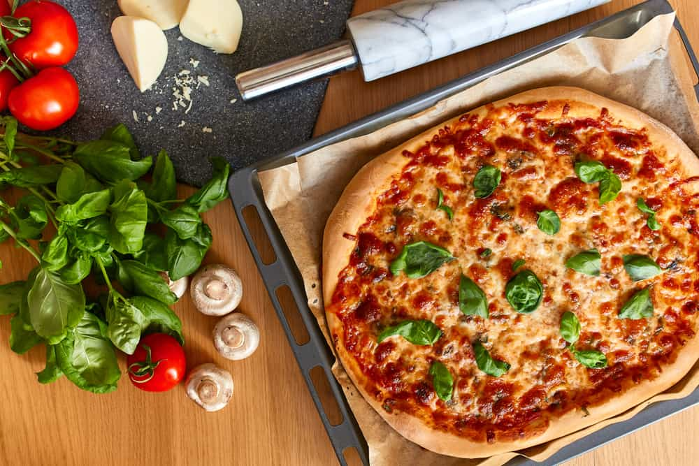 Homemade Pizza Calories & Nutrition Facts (Chart)