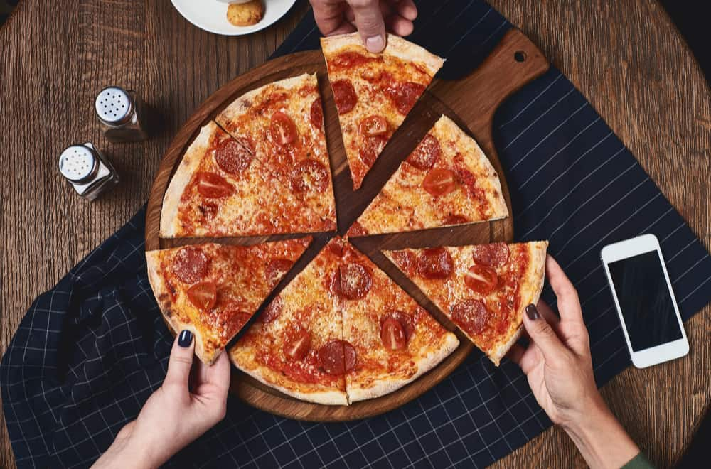 How Many Pizza Slices for a Party