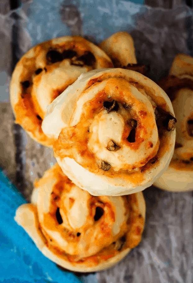 Pepperoni Pizza Rolls Recipe – Bake. Eat. Repeat.