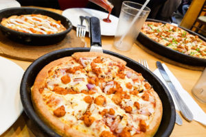 Pizza Hut Calories & Nutrition Facts (Chart)