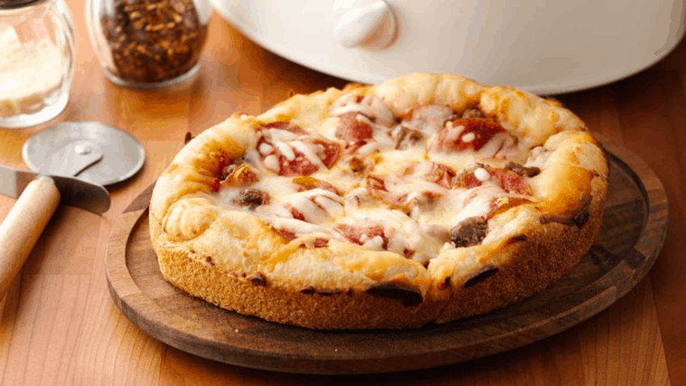 Slow Cooker Deep-Dish Pizza