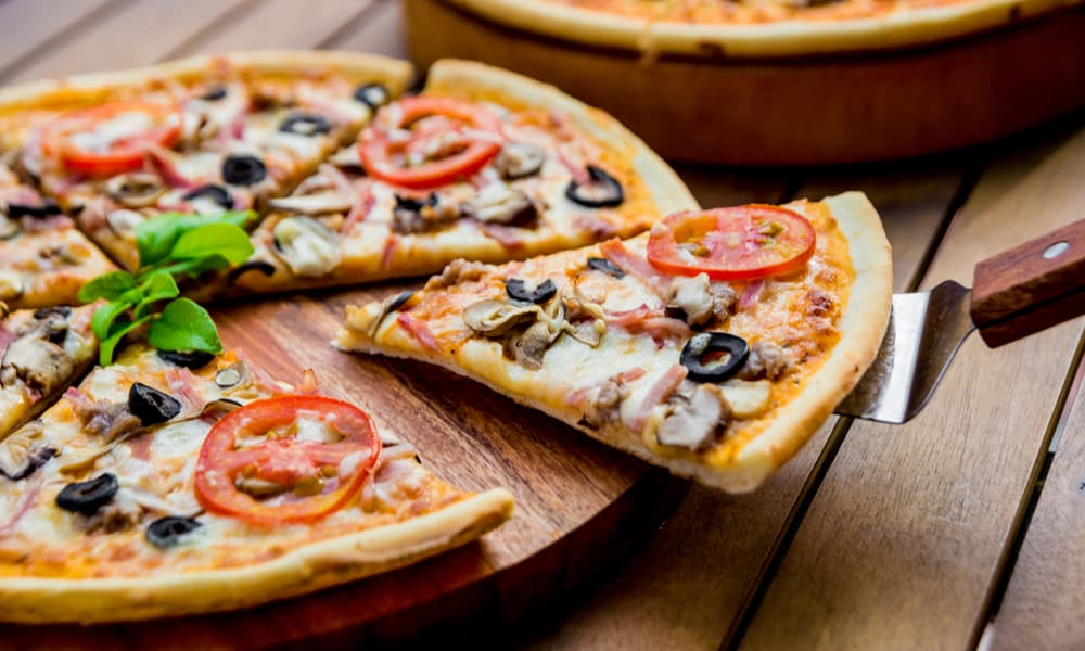 Thin Crust Pizza Calories & Nutrition Facts