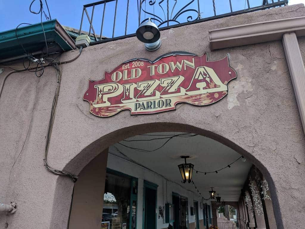 Old Town Pizza Parlor