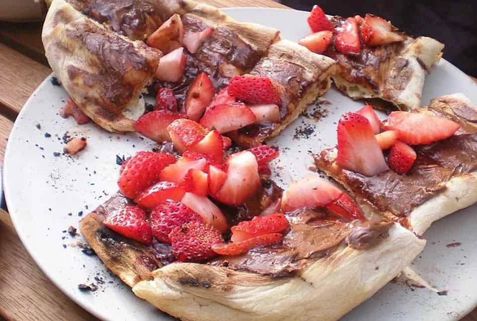 Strawberry Banana Dessert Pizza Recipe – Thespruceeats.com