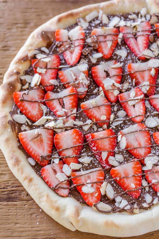Strawberry Nutella Pizza Recipe – Lil' Luna