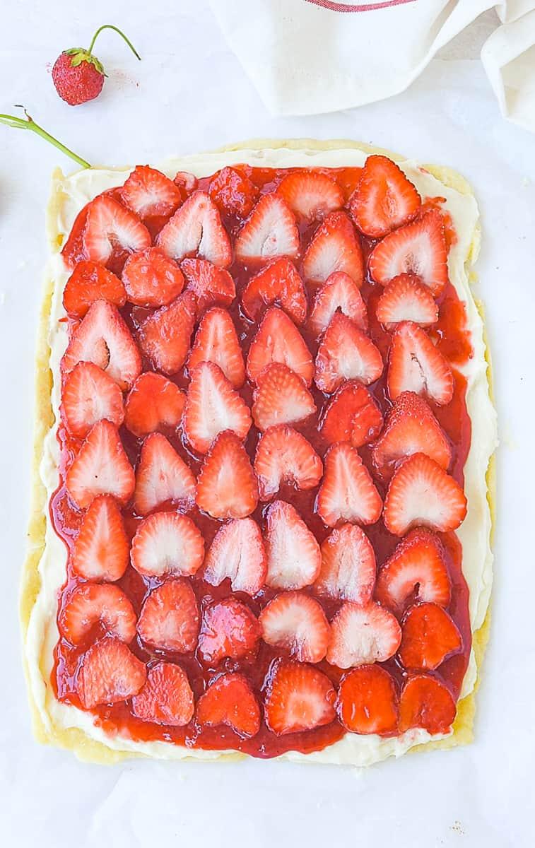 Strawberry Pizza Recipe – Your Homebased Mom Blog